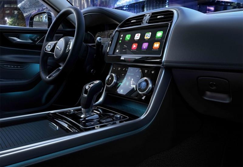 Jaguar XE 2019 – седан Ягуар XE пережил рестайлинг