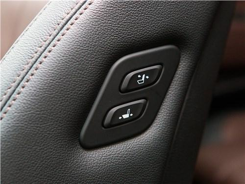 Сравнительный тест Hyundai Santa Fe, Renault Koleos - Hyundai Santa Fe и Renault Koleos: внешность имеет значение
