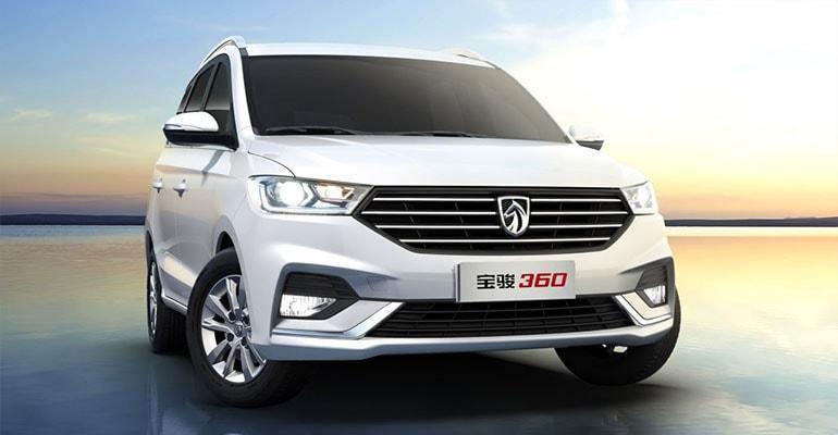 Baojun 360 2018 – новый китайский компактвэн