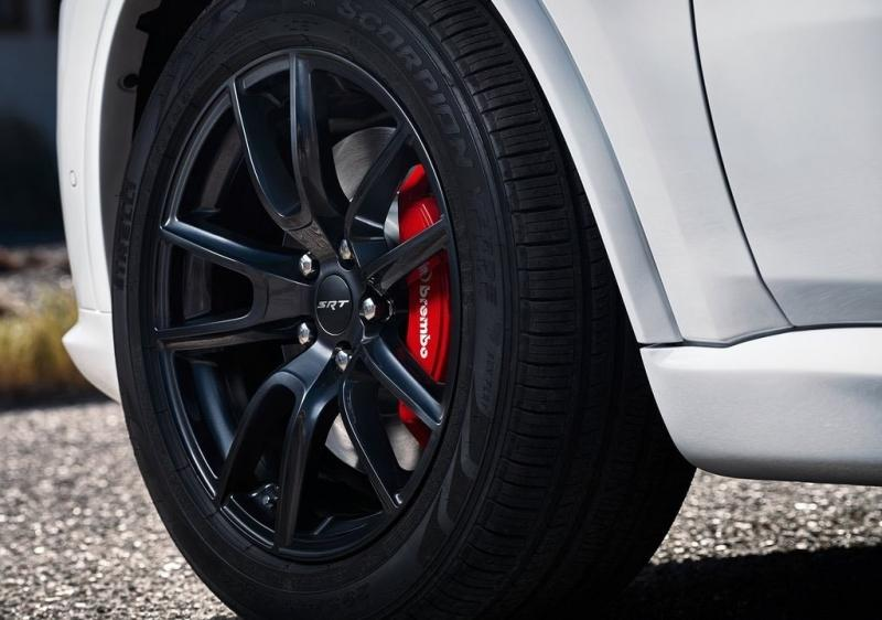 Dodge Durango SRT – уничтожитель покрышек