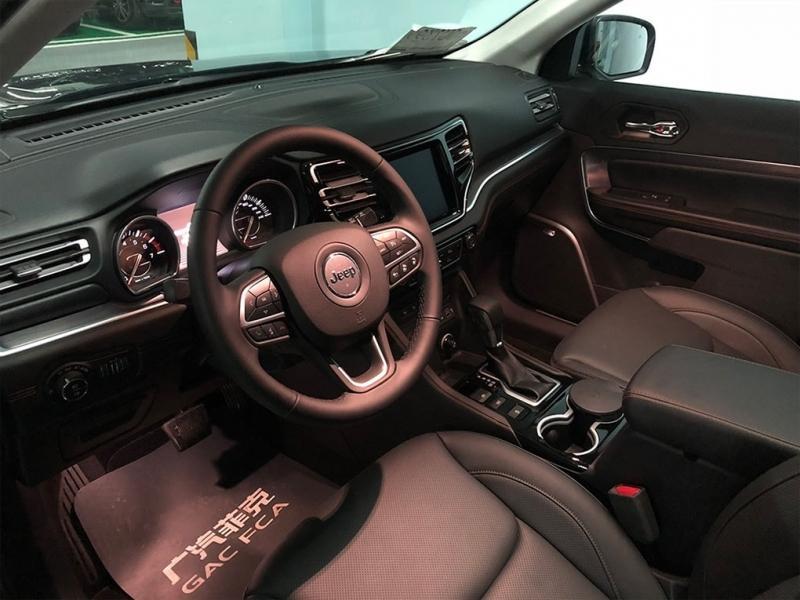 Jeep Commander 2018 – 5-местный кроссовер Джип Коммандер