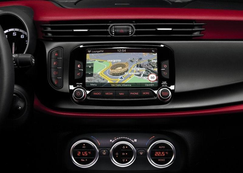 Alfa Romeo Giulietta 2014 — итальянская красавица обновилась