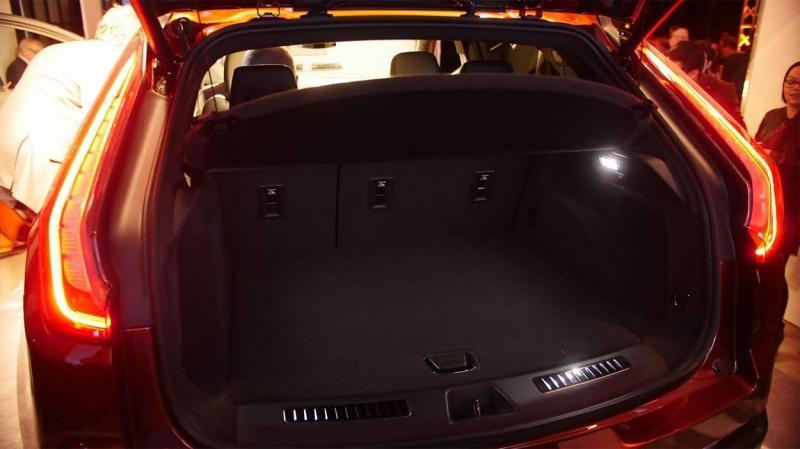 Cadillac XT4 2018 – новый компактный кроссовер Кадиллак