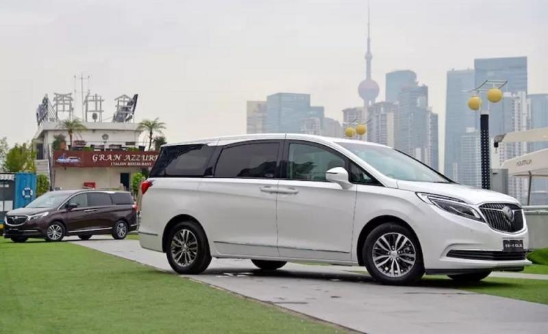 Buick GL8 2017 – роскошный минивэн для Китая