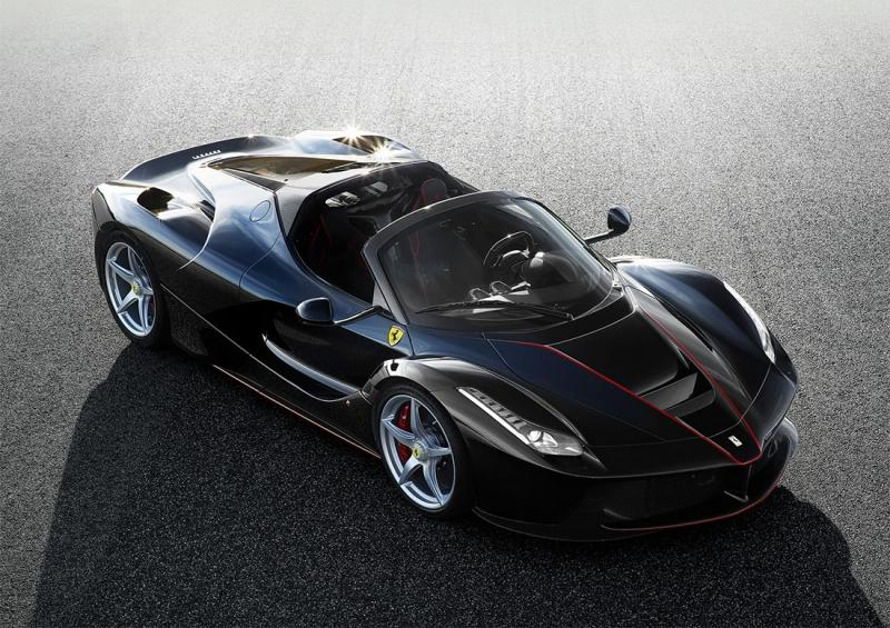 Ferrari LaFerrari Spider – открытая версия итальянского суперкара