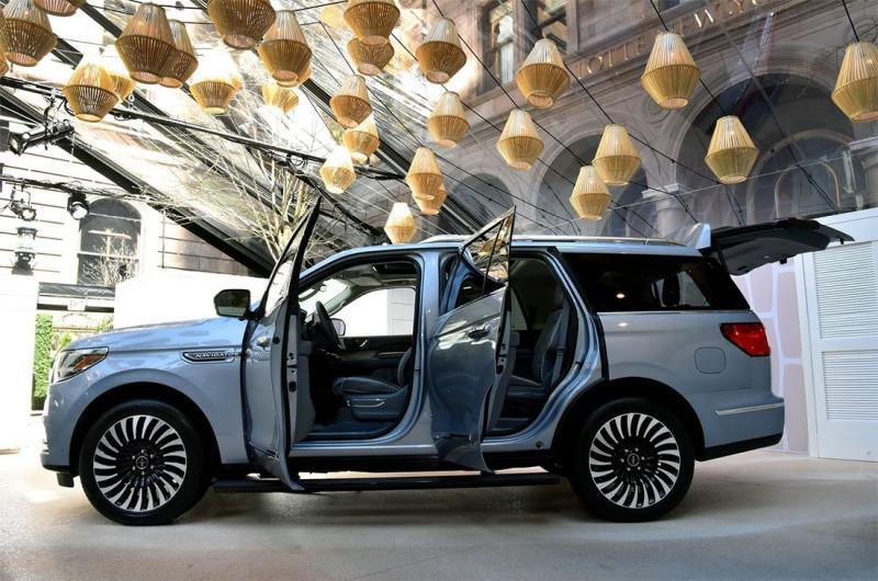 Lincoln Navigator 2018 – 450-сильный внедорожник гигант