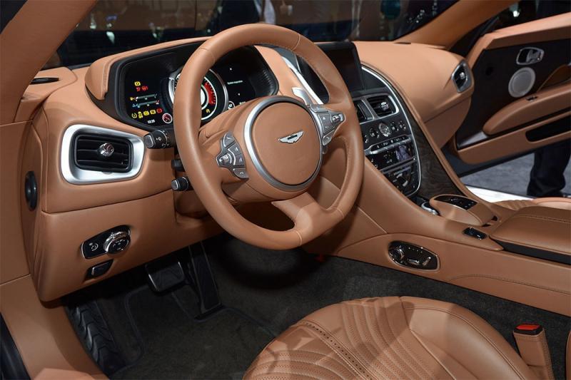 Купе Aston Martin DB11 – новый виток эволюции