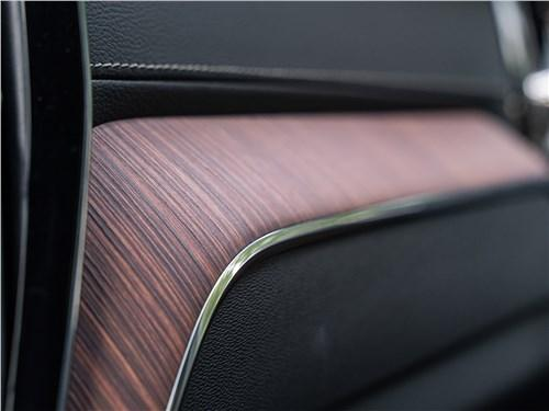 Сравнительный тест Volvo XC60, Infiniti QX50 - Стычка философий: инновационный Infiniti QX50 против «традиционалиста» Volvo XC60