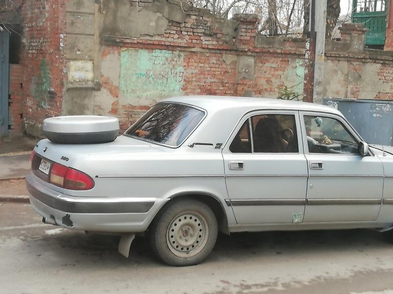 """13 фото нелепого тюнинга автомобилей: """"Волги"""", """"Нивы"""", """"ГАЗели"""""""