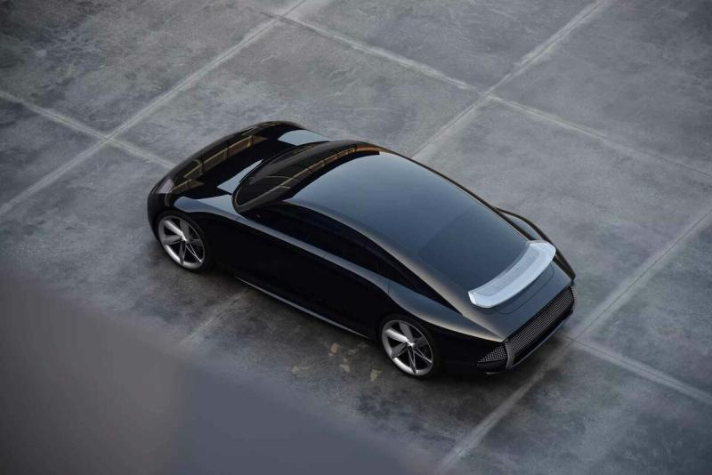 Электрокар Hyundai Prophecy — микс Porsche и Tesla Model 3