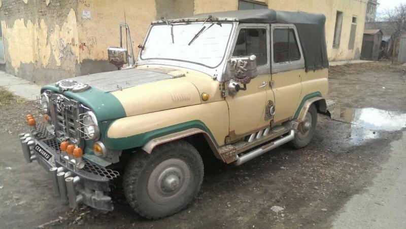 Самый необычный тюнинг УАЗ-469 в цыганском стиле (круто или колхоз?)