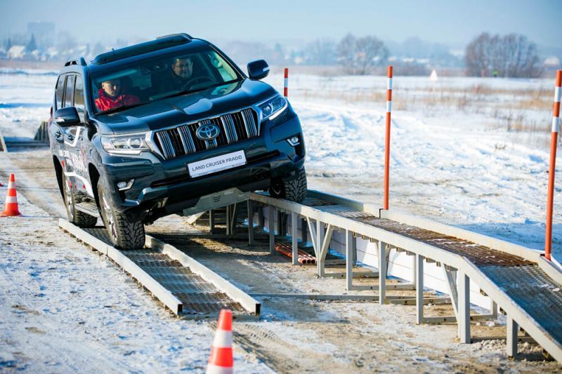 Тест-драйв Toyota Land Cruiser Prado: лёд, снег и тёплые чувства