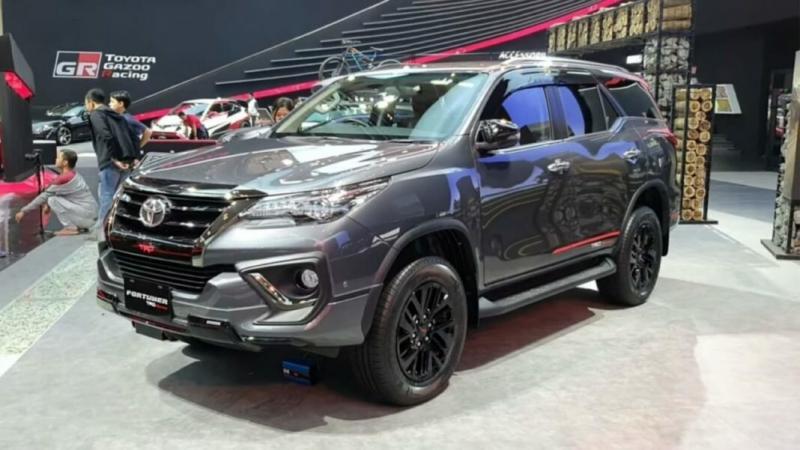 Toyota Fortuner 2020. Обзор, цены, комплектации.