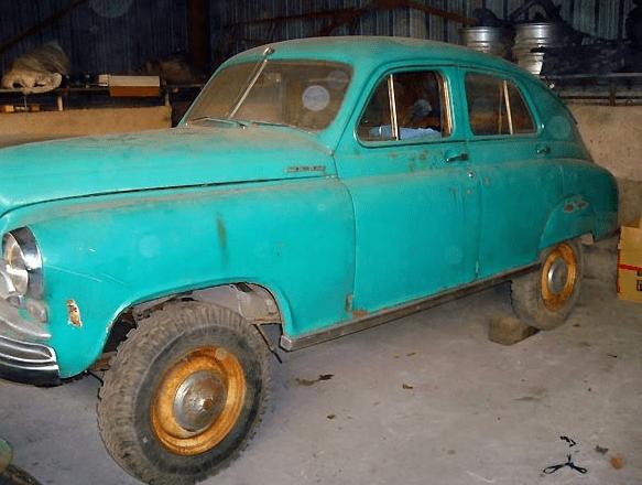 В Беларуси продают редкий Советский седан-внедорожник ГАЗ