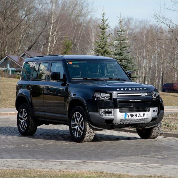 Land Rover привез в Россию новый Defender для тестов