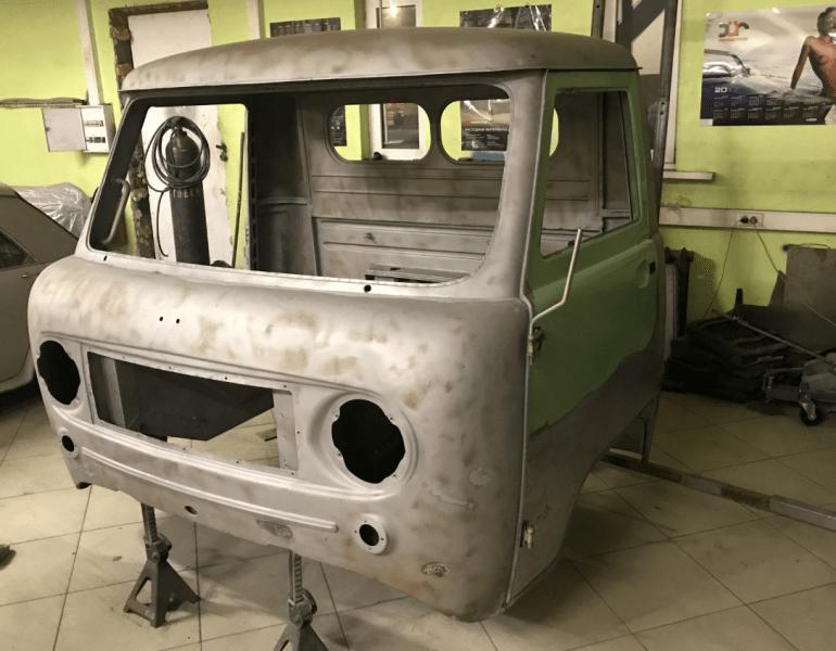 Мужчина восстановил редкий УАЗ-450. Фото до/после.