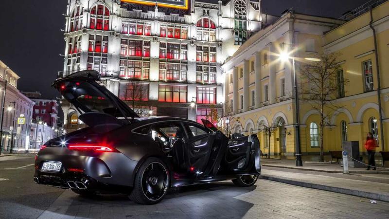 Серийный бэтмобиль: AMG GT 4-door Coupe