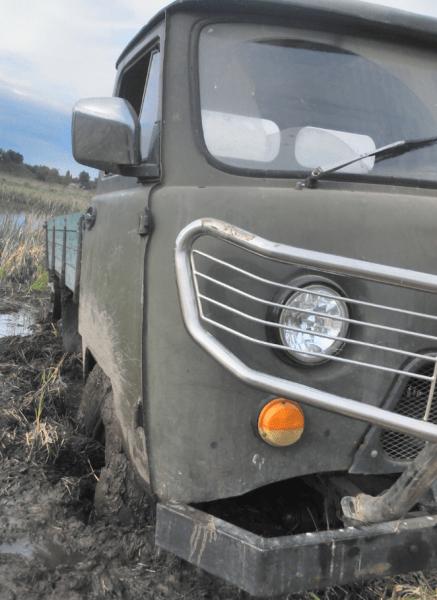В меру переделанный УАЗ-3303 для хорошего отдыха.