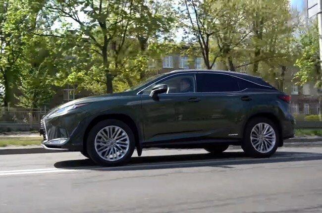 Lexus RX 450h: люкс, которому не нужно торопиться
