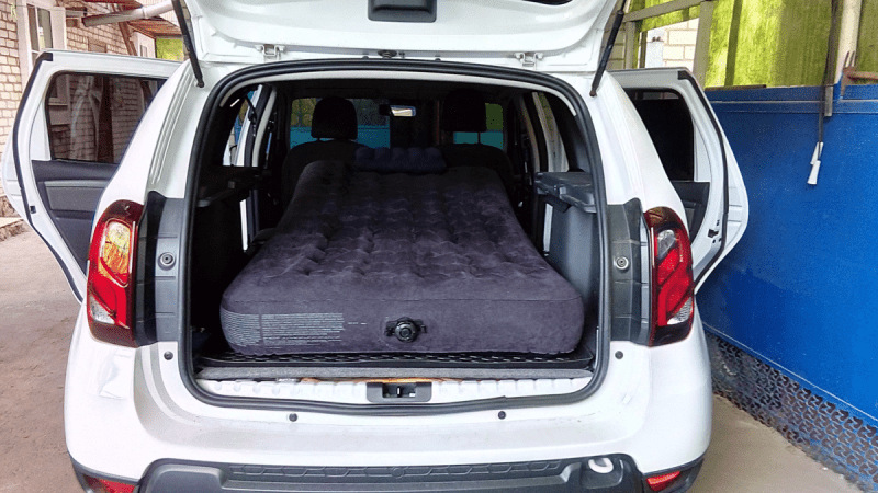 Топ-5 бюджетных автомобилей, в которых можно спать