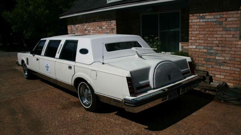 Посмотрите на лимузин Lincoln дешевле Lada Vesta