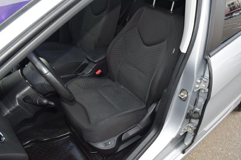 Идеальный француз: Peugeot 308 2011 года выпуска