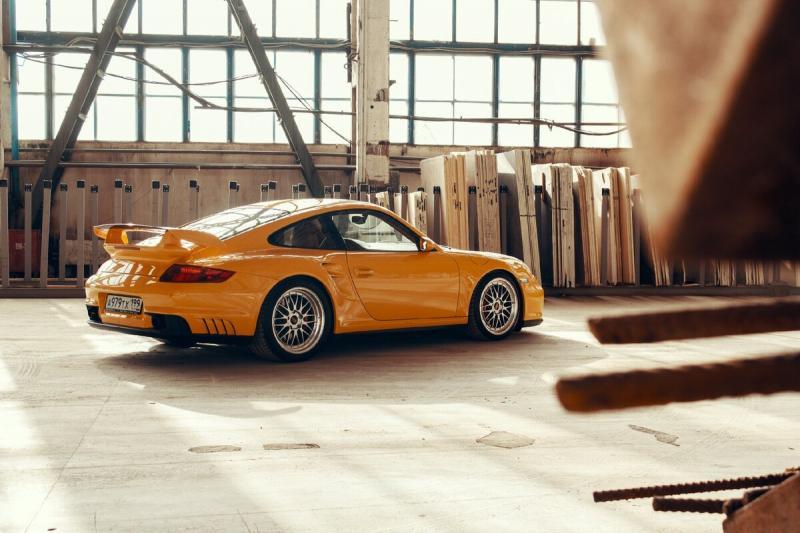 Как я фотографировал Porsche 911 в цеху
