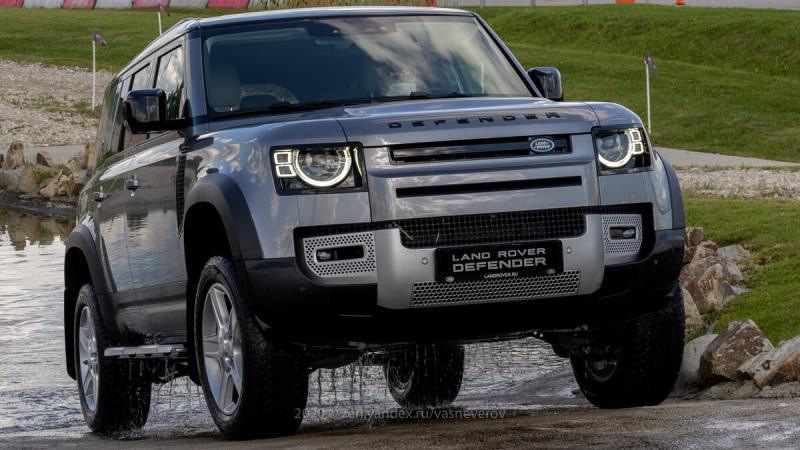 Land Rover Defender показали официально на полигоне в Москве!