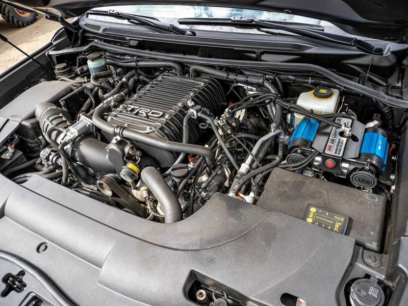 """Lexus LX570, который может больше, чем твоя """"девяточка"""""""