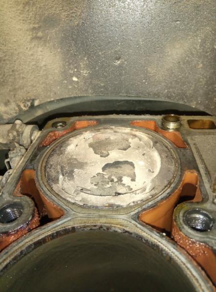 Показываю, что стало с двигателем УАЗа после перевода на газ
