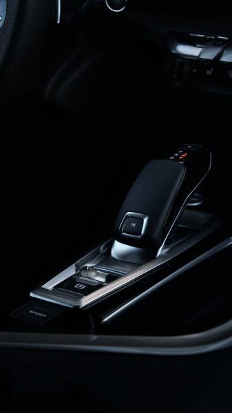 Как едет и что интересного в дизельном кроссовере Peugeot 3008?