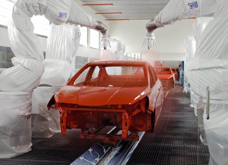 LADA Vesta - теперь на конвейере будут красить крыши в черный цвет