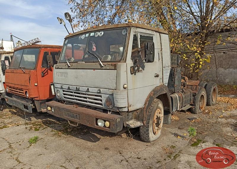 Нашел старый брошенный КамАЗ с необычным мотором