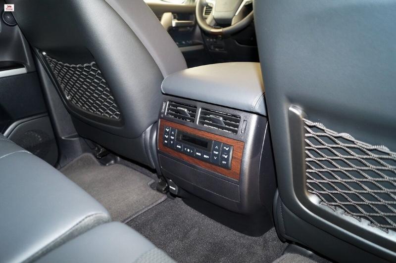 Обзор нового автомобиля Toyota Land Cruiser 200