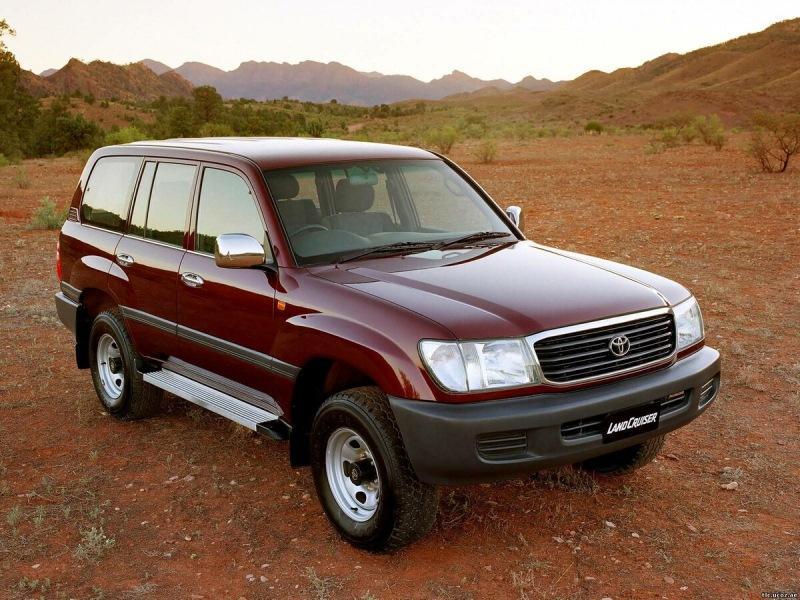 Toyota Land Cruiser и ещё 3 машины с пробегом, которые не стоят своих денег