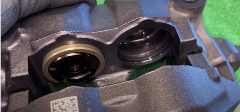 В BMW попытались скроить на тормозах, но это выйдет им боком