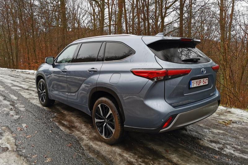 Новый Toyota Highlander: волк в автомобильной шкуре