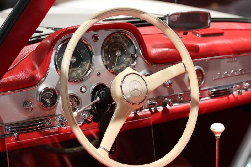 Кто придумал первую в мире авто магнитолу?