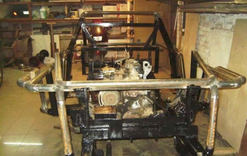 Мужик сделал из старого УАЗа классный современный джип