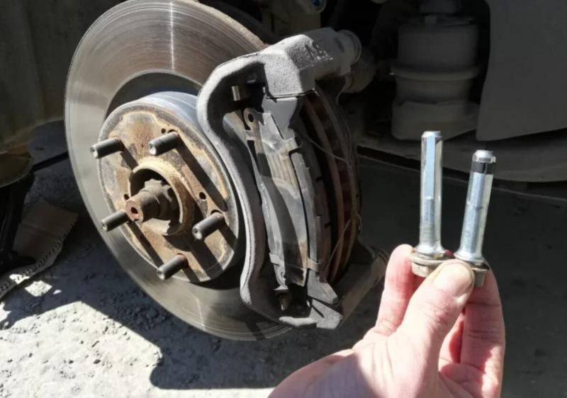 Чем смазывать тормоза автомобиля