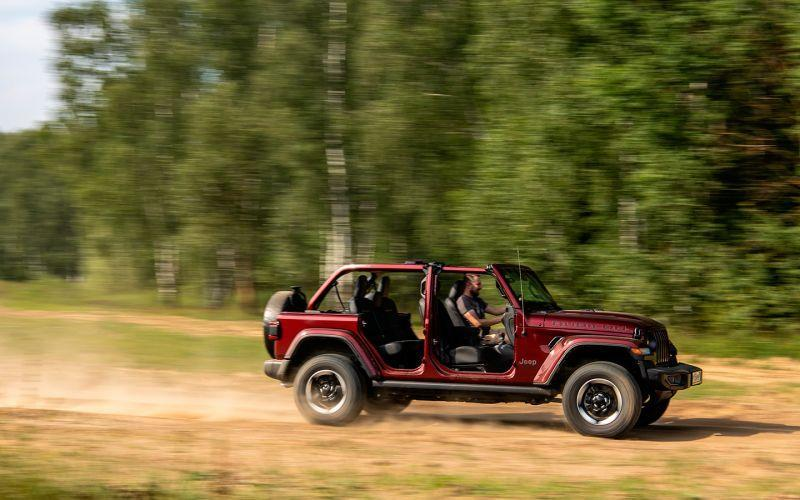 Детство в раме. Тест-драйв Jeep Wrangler Rubicon