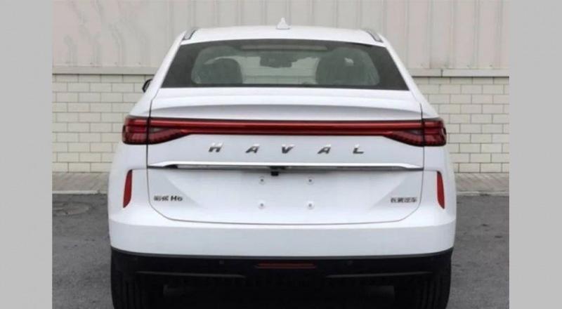 Купеобразный Haval H6 представлен в версии «под спорт», но позже ждут и «гражданский» кросс
