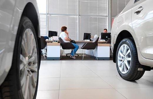 Россиян предупредили о дефиците автомобилей