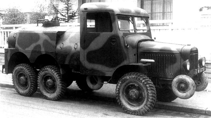 Уникальное, но бесполезное искусство: французская колёсная автотехника Второй мировой