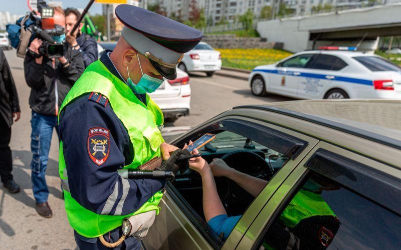 Арест за езду без ОСАГО, QR-код вместо СТС и другое. Автоновости дня