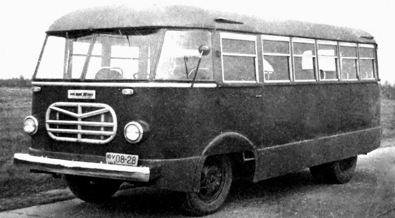 Автобусы, в которых не нужны билеты: редкие пассажирские и санитарные машины армии СССР