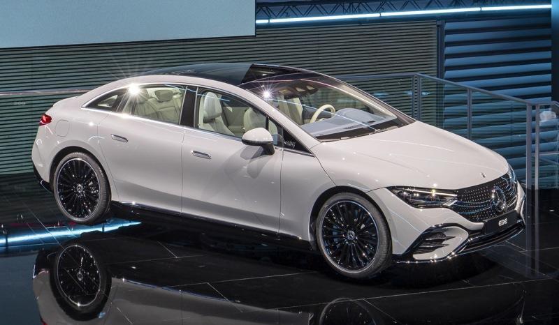 Дебютировал электрический седан Mercedes-Benz EQE, или EQS в масштабе