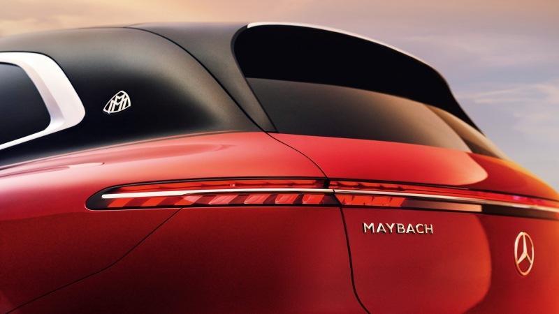Mercedes-Maybach EQS: необычные пропорции, нарисованный «гриль» и сплюснутый руль
