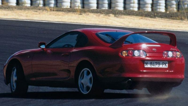 Nissan плюс Yamaha равно Toyota: как появилось и почему провалилось купе Toyota 2000 GT