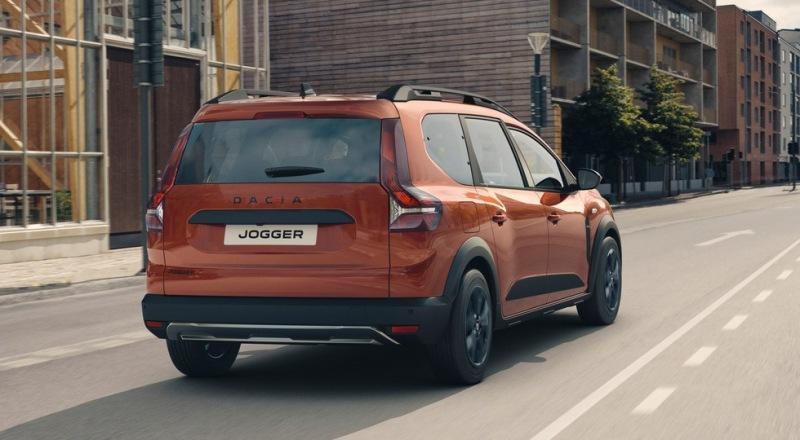 Новый универсал Logan превратился в Jogger – кросс-версию с более мощным мотором